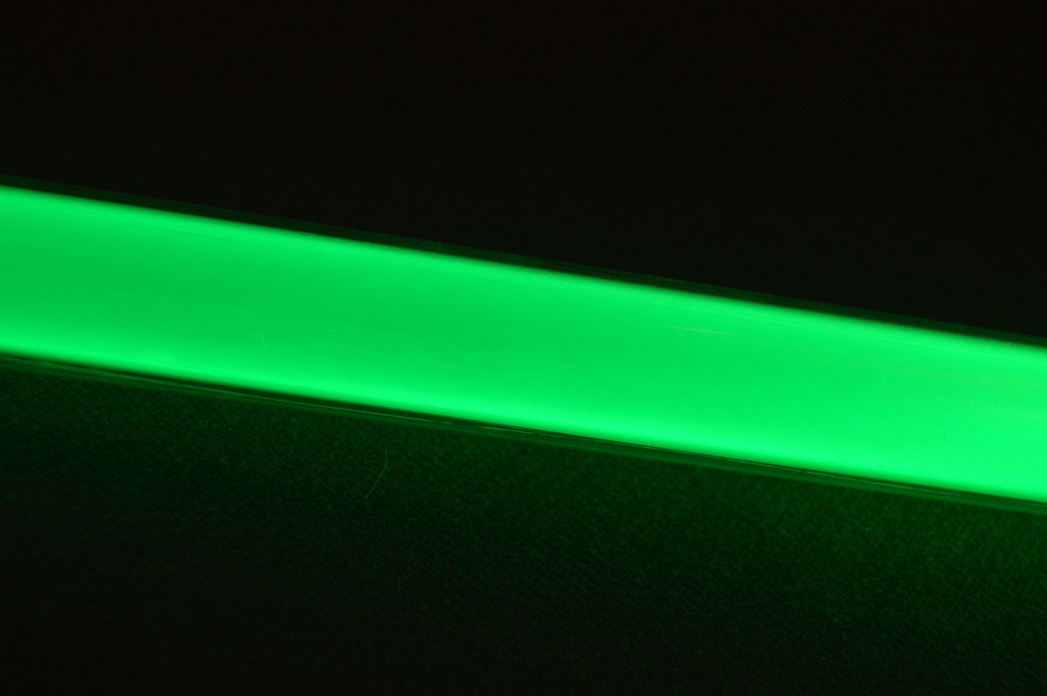 Ultrasabers Consular Green (5w LED Engin, single diode) with a Midgrade blade.